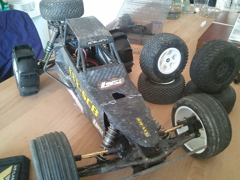 Mon Losi XXX SCB TLR 2.2 ^^ 8565599660_31d92a2a93_c