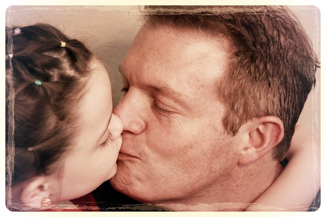 7 and her daddy princess kiss