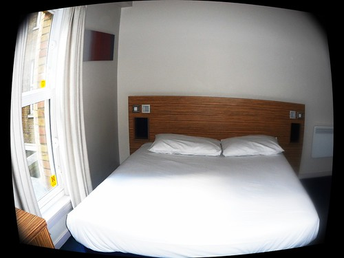 Double room at Traveldoge London Bank