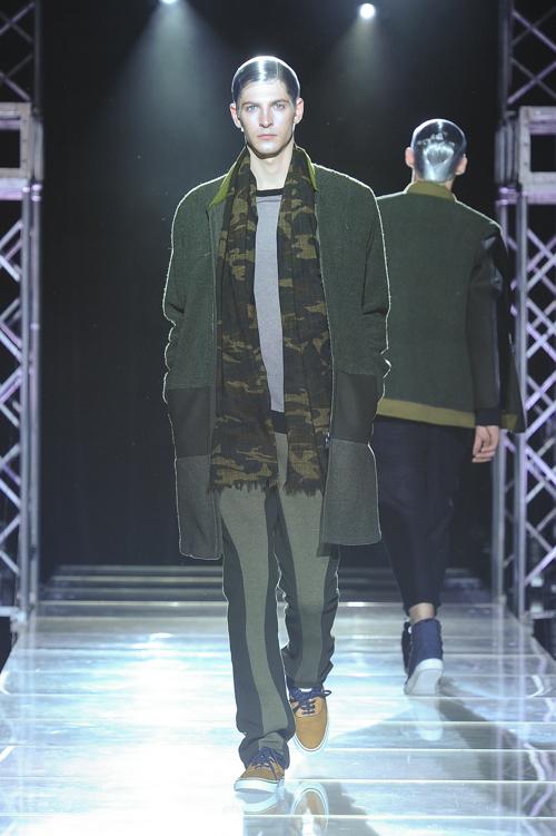 FW13 Tokyo yoshio kubo032_Maxime Bergougnoux(Fashion Press)