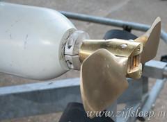Bronze folding propeller on Zijlsloep