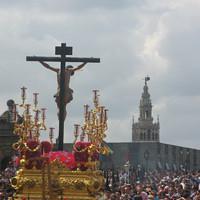 Cristo de la Salud por el Puente de San Bernardo