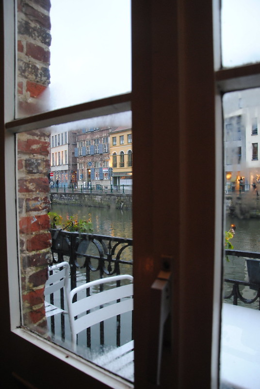 Mrs. Beanzz, Ghent: a café with a view over the Leie