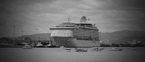 cruise newzealand bw blackwhite nikon cruiseship royalcaribbean tauranga voyageroftheseas d5000 passangership 1685mm afs1685mm 1685mmf3556gafs imo9161716 9161716 mmsi311317000 311317000