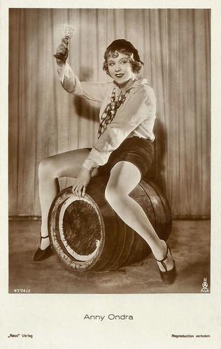 Anny Ondra   French postcard by EDUG, no. 1042. Photo