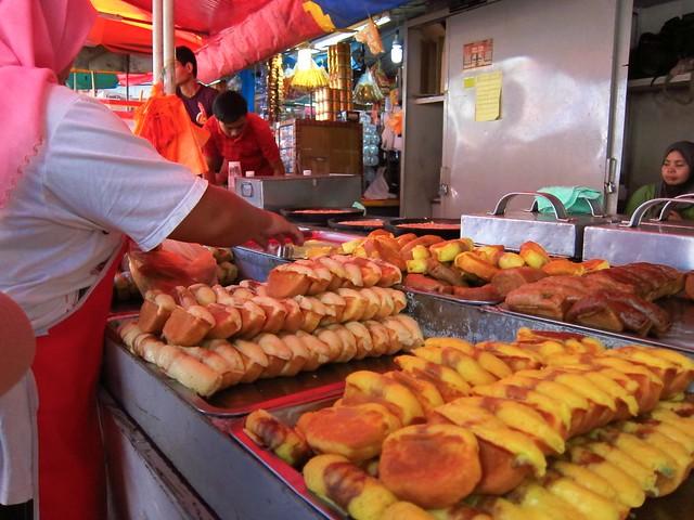 Crèpes - délicieuses - dans la rue près du Chow Kit Market