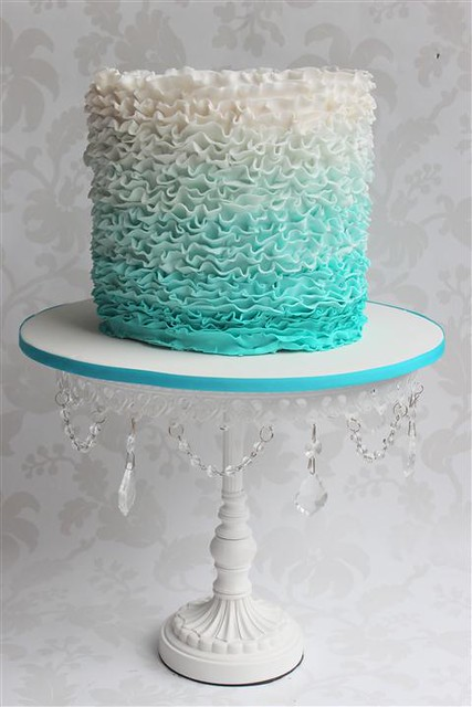 Decorating A Square Cake With Buttercream