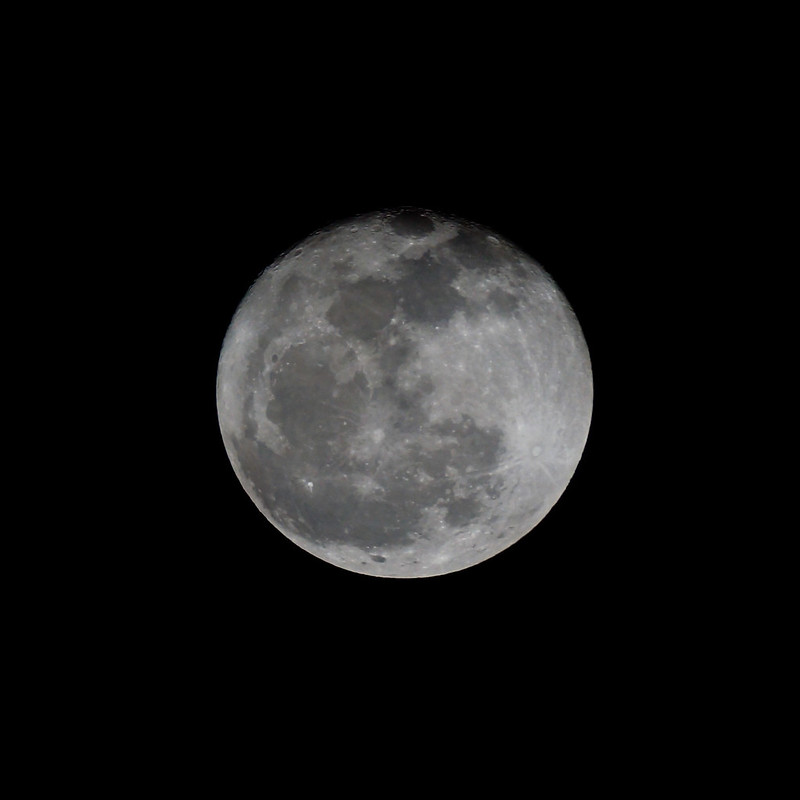Moon Chasing with Tamron SP 500mm adaptall-2 f/8 (55BB) and Sony NEX 5N