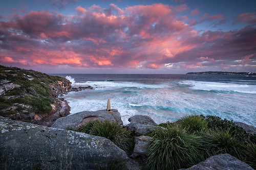 northcurlcurl newsouthwales australia curlcurl ocean dusk sunset clouds red sun rocks cliff surf northernbeaches sydney seascape beach