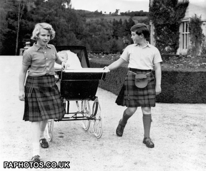 1960 _royalty-family-holiday-in-balmoral