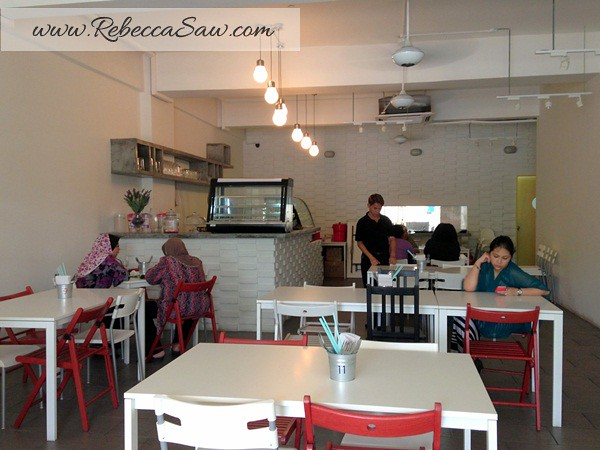 Del's Kitchen Dataran 3 Two Square-001