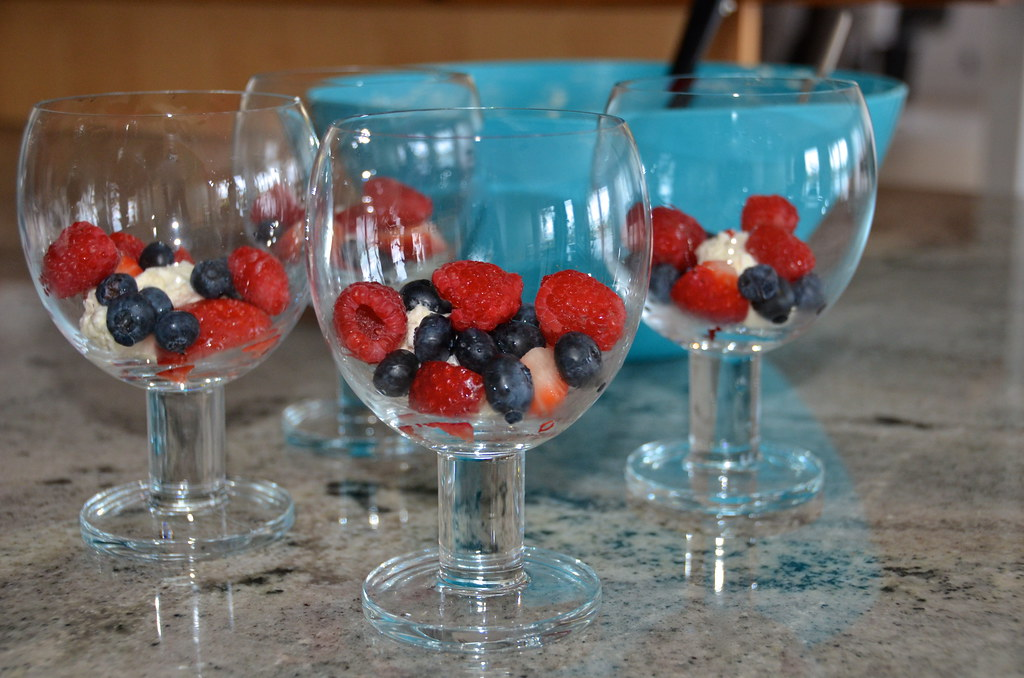 Berries and Mascarpone Cream