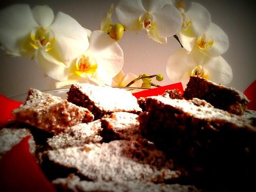 biscotti e orchidee by Norda Brilo