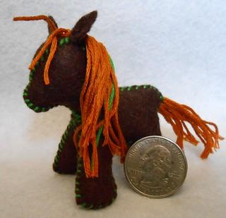 Mini Felt Horses (5)