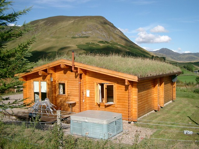 Photo Log cabins with hot tubs scotland