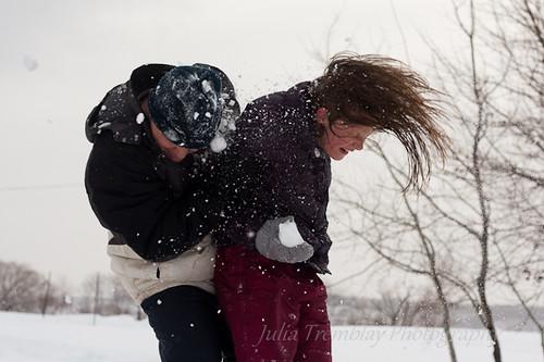 Snowball fight-1