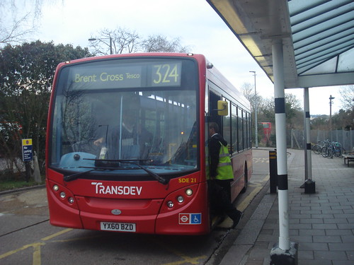 London Sovereign Transdev SDE21 on Route 324, Stanmore