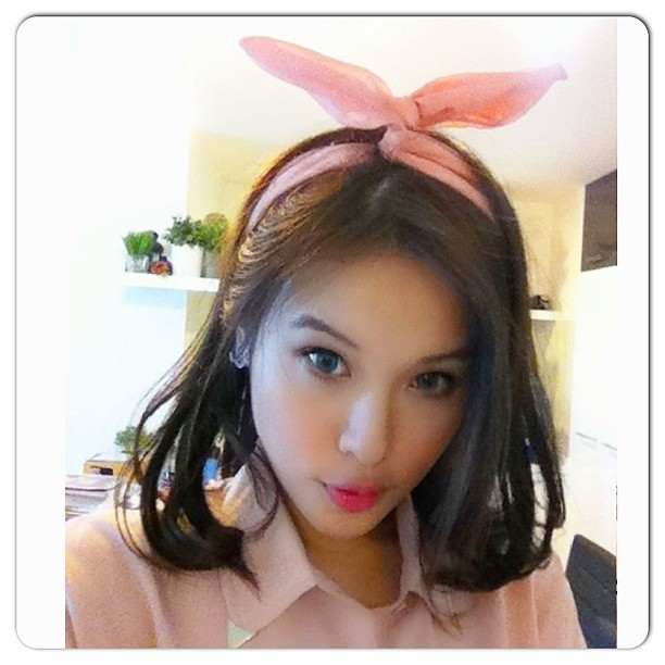 Ootd. Bunny ear Korean country girl style. #ootd #lookoftheday #outfit #outfitoftheday #lotd #korean #koreanstyle #countrygirl #koreanfashion #bunnyear