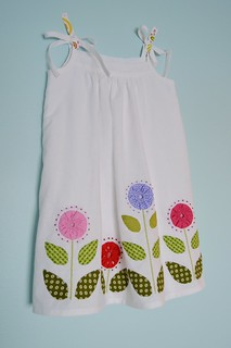 Popover sundress with applique