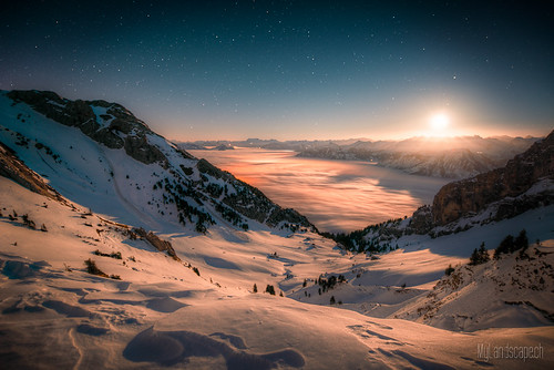 ^ Pilatus: Moonrise above the Sea of Fog ^