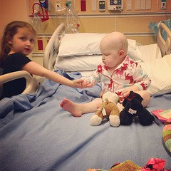 A high 5 to go! #aidkaid #reesey #gingerfight #thehospitalsucks #chemointumorout