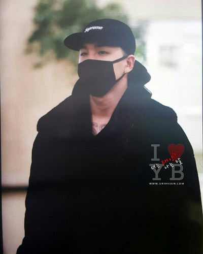 BIGBANG (wout Seungri) arrival Seoul Gimpo from Beijing 2016-01-02 (41)
