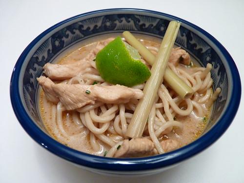soupe thaie de poulet aux nouilles