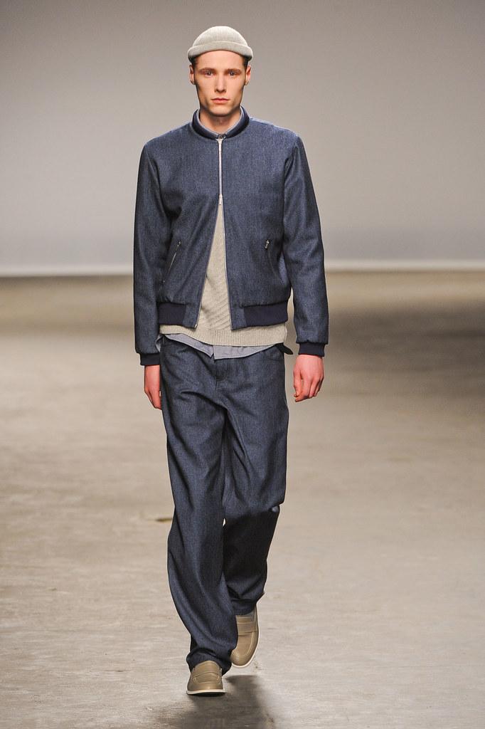 FW13 London Richard Nicoll005_Freddie Stoker(fashionising.com)