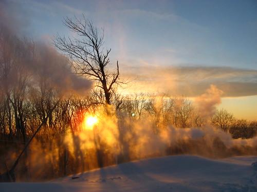 sunset snow cold nieve neige hancock frio westway snowmaking snowgun berkshirecounty jiminypeak