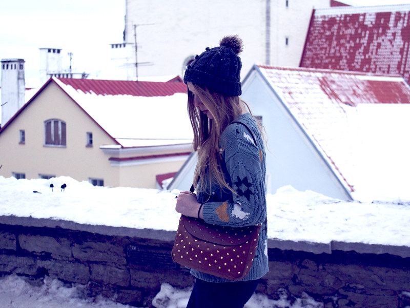 Over sized jumper, pom pom hat, studded handbag