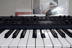 keyboard player(0.0), nord electro(0.0), monochrome(0.0), black-and-white(0.0), string instrument(0.0), synthesizer(1.0), piano(1.0), musical keyboard(1.0), electronic musical instrument(1.0), yamaha sy77(1.0), electronic keyboard(1.0), music workstation(1.0), electric piano(1.0), digital piano(1.0), analog synthesizer(1.0), electronic instrument(1.0),
