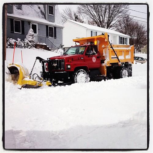 Finally a plow but STUCK!  #blizzard #nemo