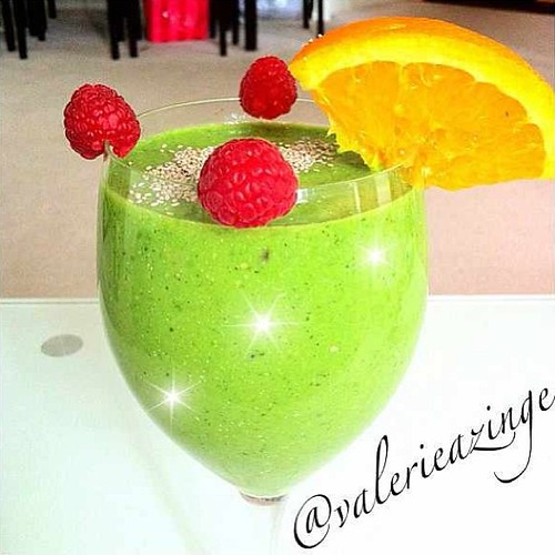 By @valerieazinge - Energy Boosting Smoothie. Great After Workouts.   ***Full Recipe is on our Facebook page. Link is on our profile***  #chef #cheflife #foodies #art