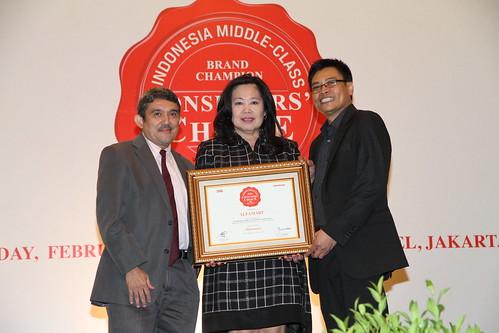 Indonesia Middle-Class Brand Forum 2013-Alfamart
