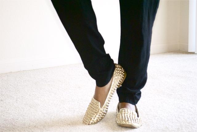 studdly-steve-madden-gold-loafers