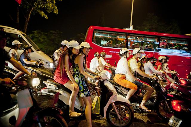 V004 Riders - Hanoi