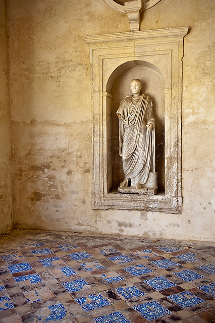 Niche avec statue romaine grand jardin casa de pilatos flickr photo sharing for Jardin romain