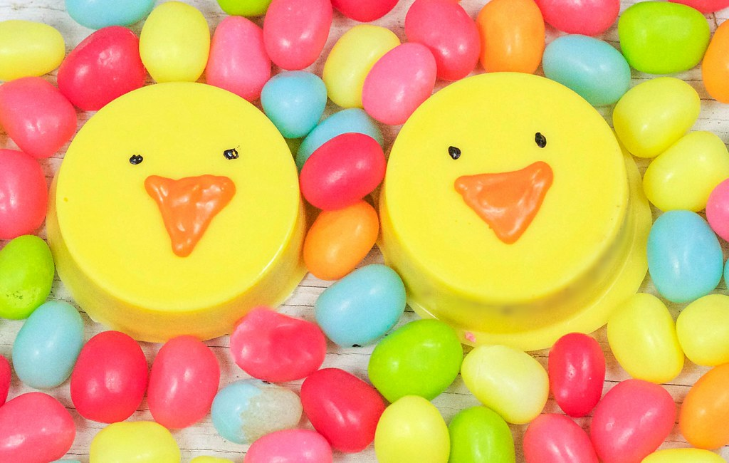chocolate covered oreo chicks for Easter