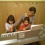 Za klavirom