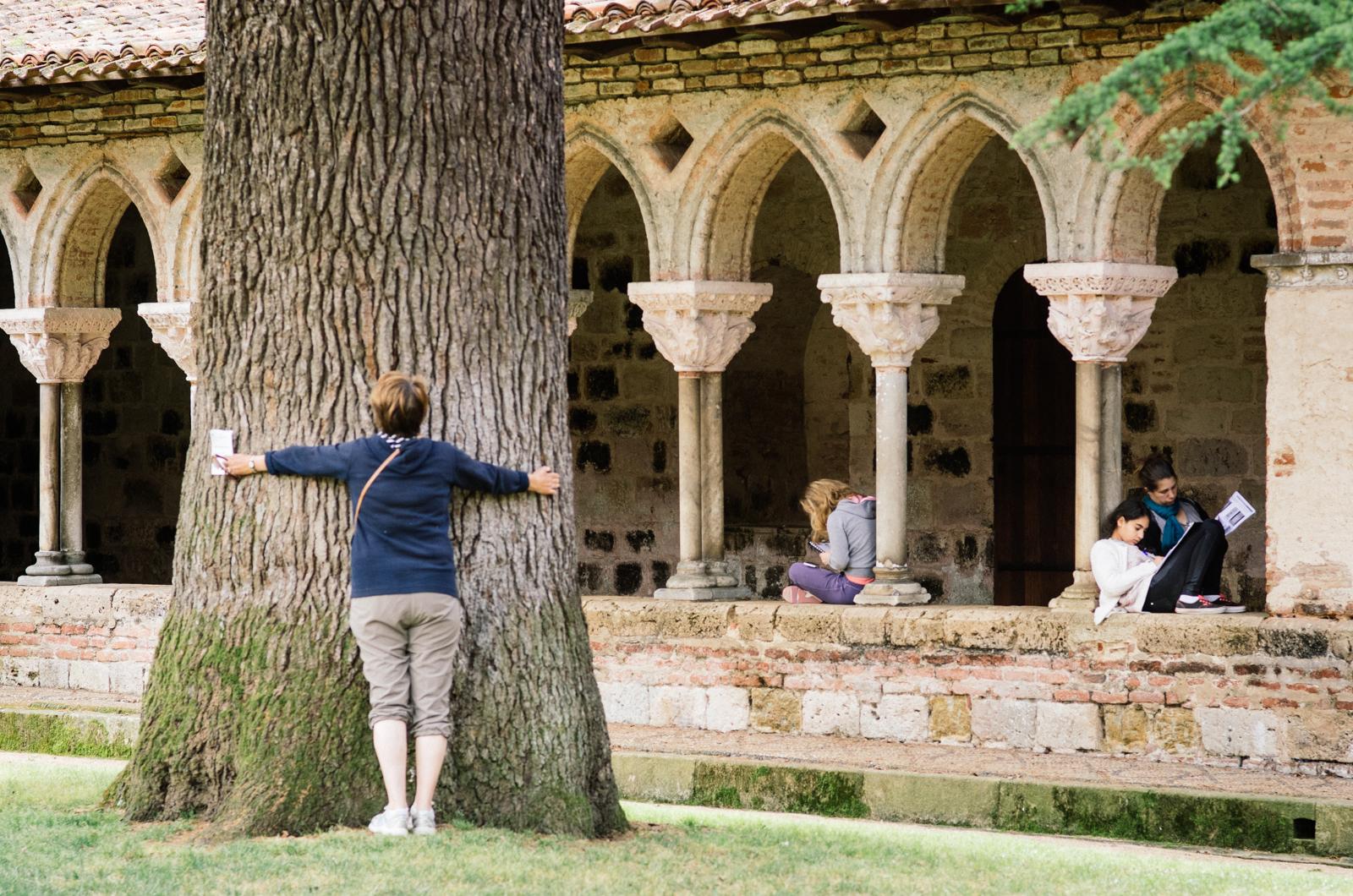 Différents types de méditation au cloître de Moissac - carnet de voyage en Tarn-et-Garonne
