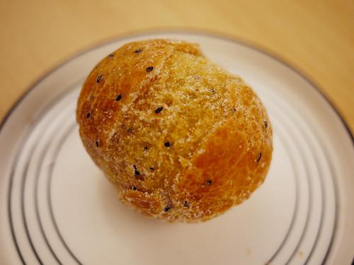 01-11_sesame donut