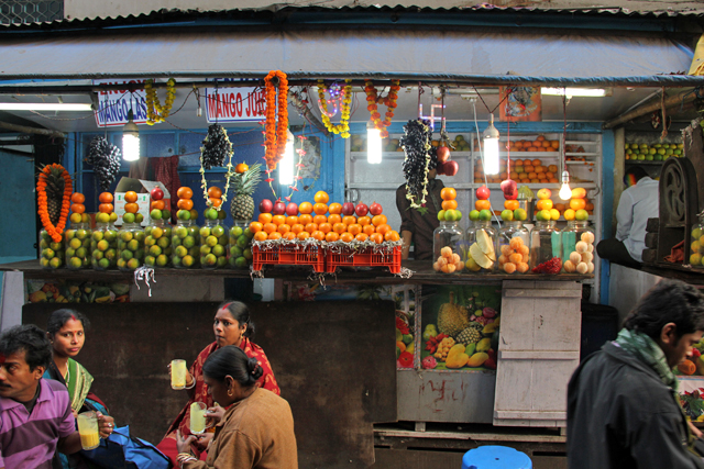 Mango lassi fruit stall in Kolkata, India