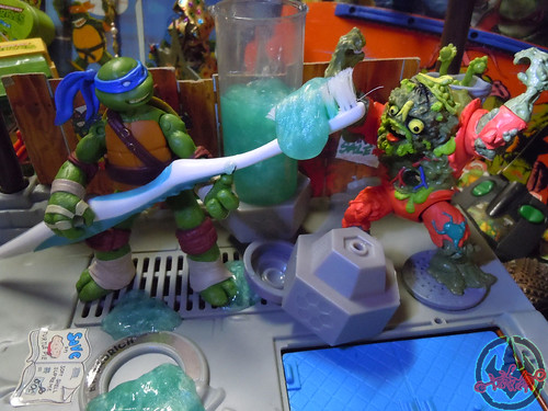 "Nickelodeon  TEENAGE MUTANT NINJA TURTLES :: MUTAGEN OOZE xxxvii / ""THEY CALL HIM MUCKMOUTH !!"" (( 2013 ))"