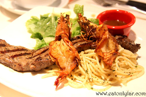 Steak and Prawn with Aglio Olio, Hot Tomato Café & Grill