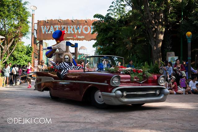 Hollywood Dreams Parade - Stars in Car
