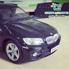 model car(0.0), bmw x3(0.0), bmw x5(0.0), automobile(1.0), automotive exterior(1.0), bmw(1.0), sport utility vehicle(1.0), wheel(1.0), vehicle(1.0), automotive design(1.0), rim(1.0), bmw x5 (e53)(1.0), grille(1.0), bumper(1.0), land vehicle(1.0), luxury vehicle(1.0), vehicle registration plate(1.0),