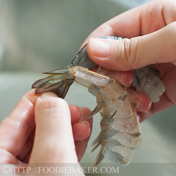 How to Peel Prawns with Kitchen Scissors