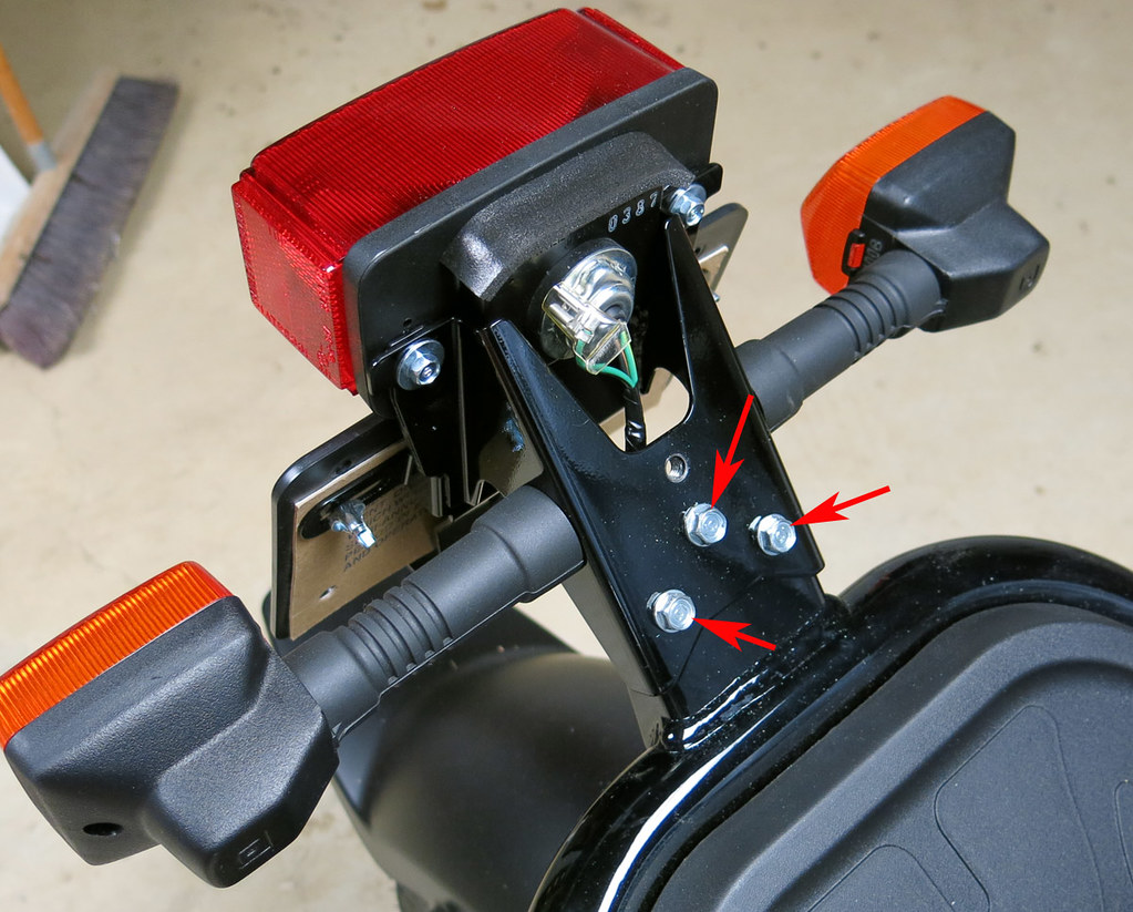 8463751448_611d6e694a_b totalruckus \u2022 view topic how to install led turn signals and honda ruckus tail light wiring diagram at alyssarenee.co