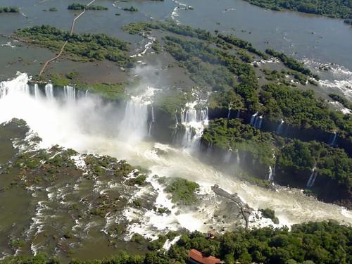Foto de las Cataratas de Iguazú desde el helicóptero