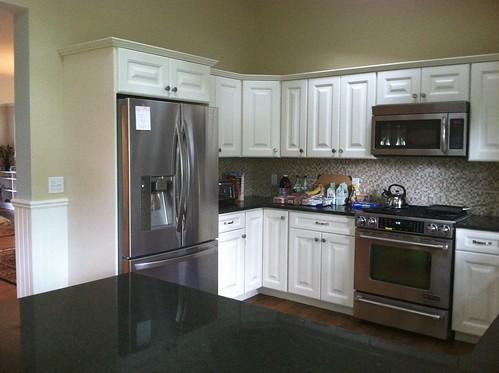 kitchen by FX Home Renovation